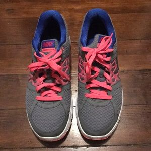 Nike's sneakers size 10